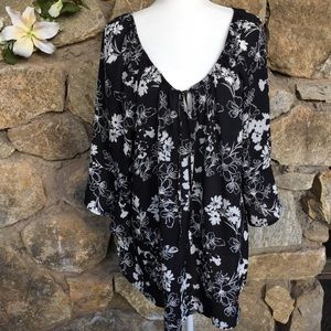 Torrid off shoulder black white floral top